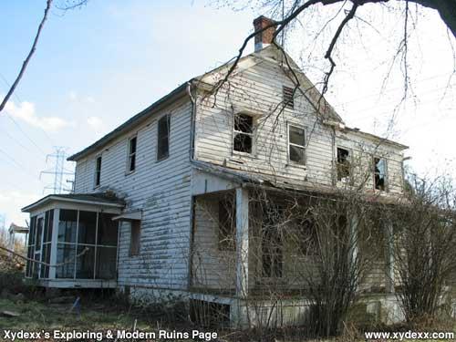XYDEXX COM Modern Ruins Abandoned House 1009 Ruritan